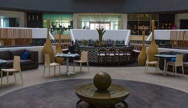 Lobby bar Krystal Grand Punta Cancún Hotel Cancún