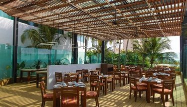 Terrace restaurant Krystal Grand Punta Cancún Hotel Cancún
