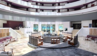 Lobby bar Reflect Krystal Grand Cancún Hotel Cancún